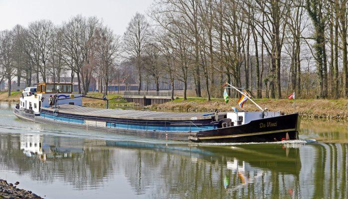 barge-3068425_1920